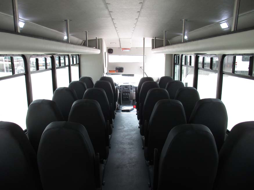 Ford F550 Starcraft XL - Inside Front
